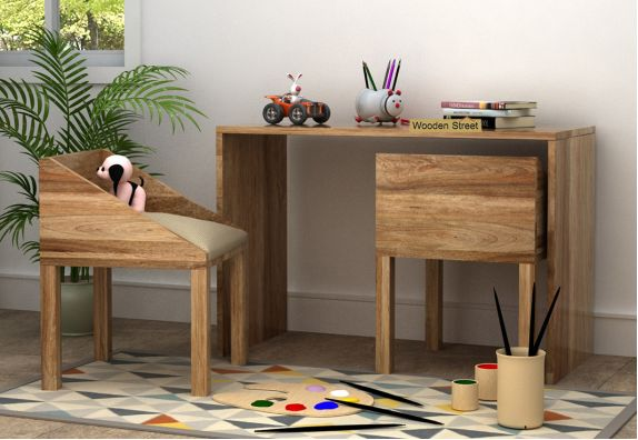 How to Make Right Use of the Kids Study Table